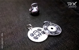 КросФит подарки. Кулоны из серебра 925 пробы с родиевым покрытием. Гиря WOD. Jolly Rodger. Блин от штанги 15кг 21-15-9. #RX_Jewelry #RXj